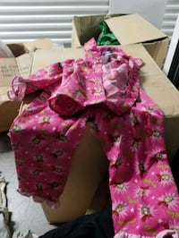 GIRL CLOTHS 4T TO FOR A SINGLE MOM North Las Vegas, 89084