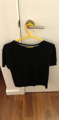 Banana republic luxury touch black tshirt medium San Francisco, 94105