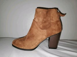 Boots, size 6
