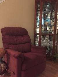 Comfortable reclining rocking chair (back detaches for easy transport) 38 km