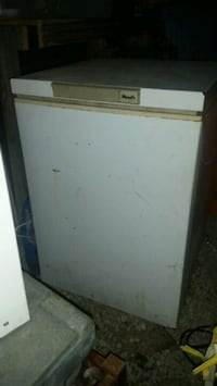 Chest freezer  Laceys Spring, 35754