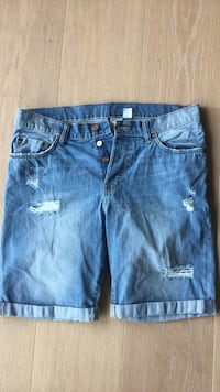 Blå distressed shorts