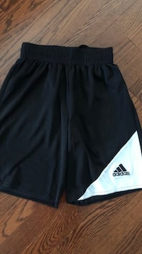 Kids Adidas shorts size XLarge youth Vaughan, L4L 6A9