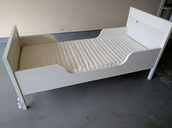 Used Toddler bed with mattress for sale in Manvel   letgo