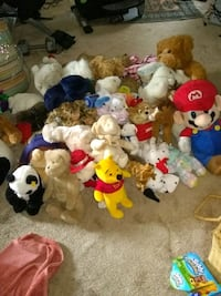 Lots of plush toys some with tags 43 km