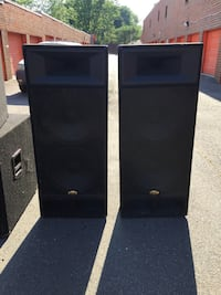 Two black-and-gray speakers 47 km