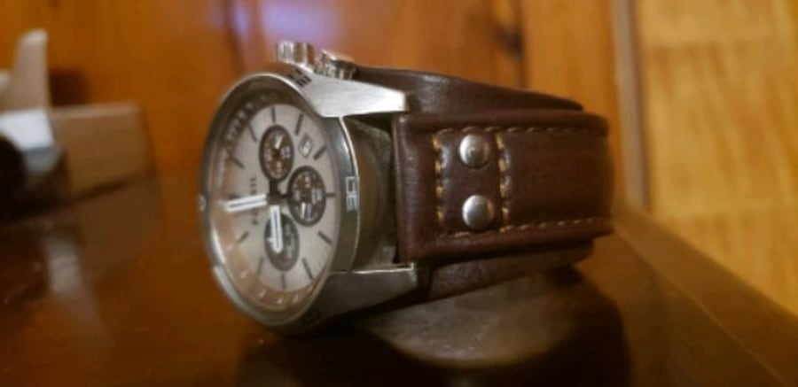 Watch fossil man color brown  f31d8587-be28-4869-af0e-a5c3091bbbb9
