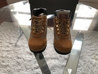 pair of brown leather work boots with box Forest Heights, 20745