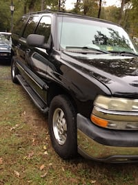 $2900.00 OBO NEEDS TO GO ASAP 2001 checvy suburban 3dr row seats ,seats in okay cond no mayor tears Bensville, 20695