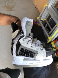 Youth Size 13Y US Ice Skates Mississauga, L5N 8L8
