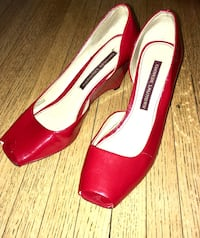 red leather Chinese Laundry peep toe wedges Toronto, M9L 3A2