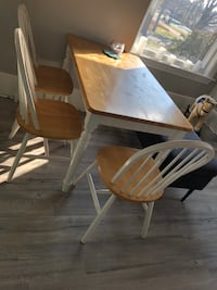 Solid wood table and 4 chairs Milton, L9T 8C7