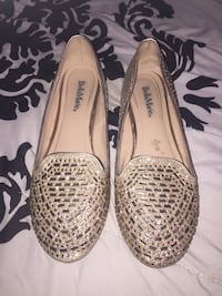 Pair of brown leather flats 956 mi