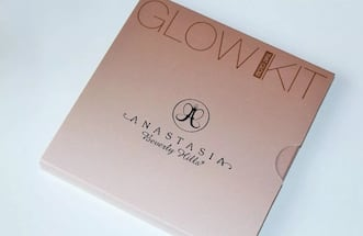 "Brand new Anastasia Beverly Hills glow kit in ""That Glow"" - discontinued"