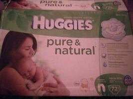 Newborn pure and natural diapers