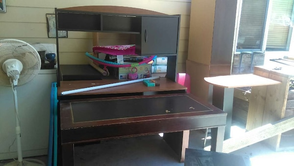 Used Free Stuff Desk Table Tv Stand Baby Stuff For Sale In