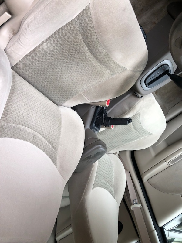2004 Saturn ION ION 2 4AT bf49c195-d30d-4d43-91aa-7413558b99f9