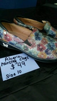 Alegris clogs In excellent used condition. Open at Foley