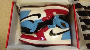 Air Jordan 1 Retro High OG Fearless UNC Chicago - Size 10 - New