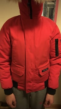 Canada goose chilliwack bomber jacket - red