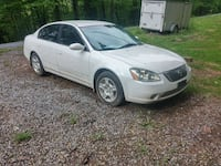 04 nissan altima  Front Royal, 22630