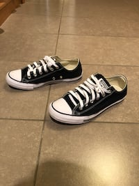 converse black low size mens 7/womens 9 New Westminster, V3M