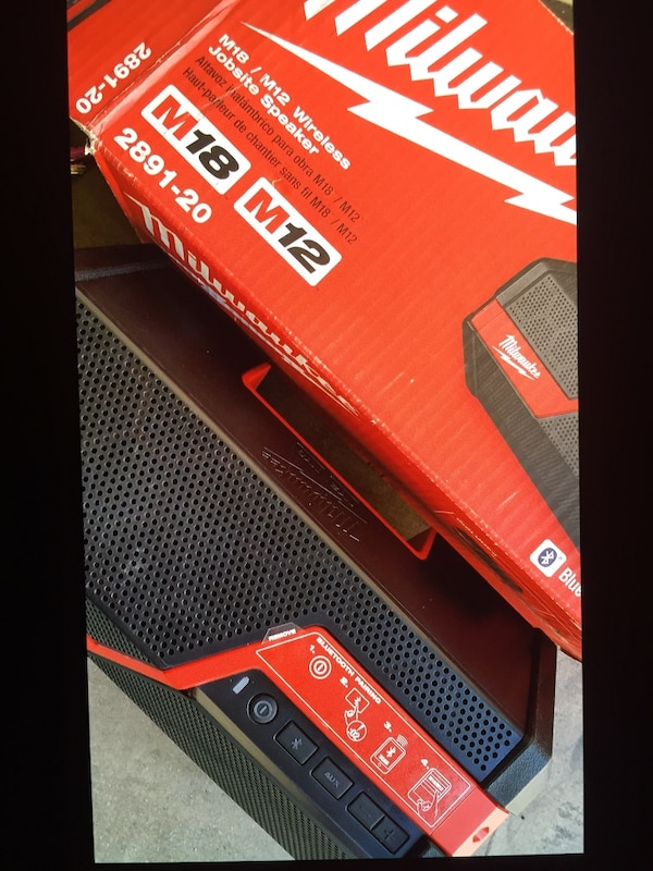 MIlWAUKEE M12/M18 Wireless Speaker . Bluetooth . New Brand