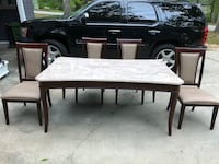 Steve Silver Marseille Marble Top Table with 4 chairs