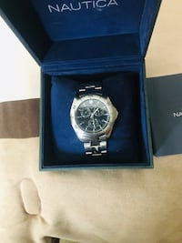 round silver chronograph watch with link bracelet in box Houston, 77090