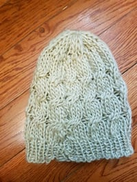 Beige knitted beanie Toronto, M5T 2A5