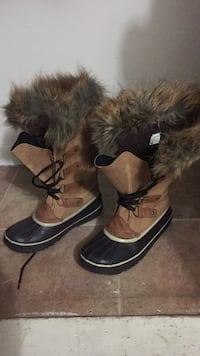 black-and-brown duck boots Rensselaer, 12144