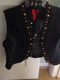 Very Stylist Vest with gold buttons Virginia Beach, 23451