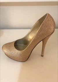 Shoes woman gold. The first ones, never used Miami, 33155