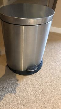 Stainless steel trash can Burnaby, V5C 6T5