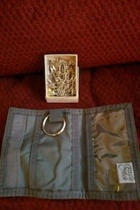 wallet + keychain + various size safety pins New Haven, 06513
