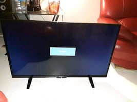 "40"" flatscreen with remote control"