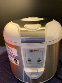 Aroma 10 Cup Digital Rice Cooker/Food Steamer White & Stainless Steal Toronto, M8V 4E8