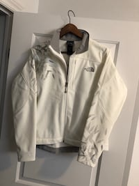 The north face White zip-up jacket size : M Gatineau, J8Y 6X4