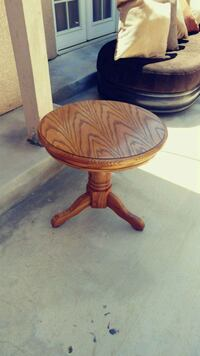 Round side table 24 in