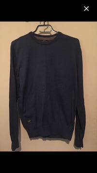 New men's top size M must sell  Montreal