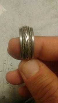 Silver ring size 11 Center spins! Vaughan, L6A