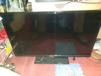 """40"""" Flat screen TV with mount Silver Spring, 20902"""