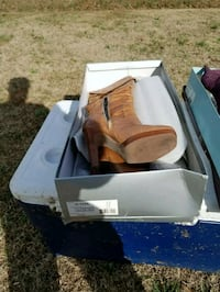 pair of brown leather boots in box Middlesex, 27557