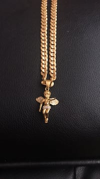 18k Gold plated chain with pendent Mississauga, L5A