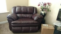 Burgundy leather recliner love seat