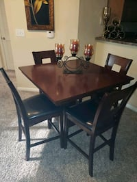 Dining Set - high top Houston, 77065