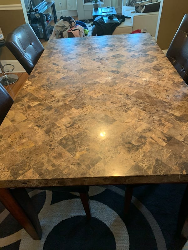 Dining set with chairs 73015118-6ab8-4c48-8140-e8b2531eacc2