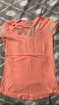 women's pink scoop-neck shirt Richmond Hill, L4B 4R8