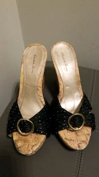 Womens Size 7 Black and Gold Cork Wedges Mississauga, L5M 0B7