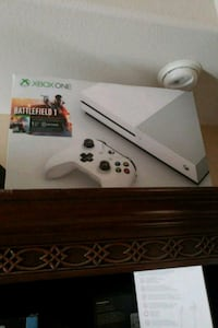 white Xbox One console with controller box Pharr, 78577